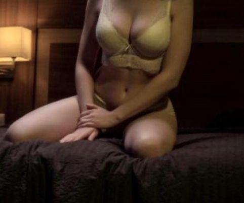 снять девушку на час (Аглая  Приеду в гости, 25 лет)