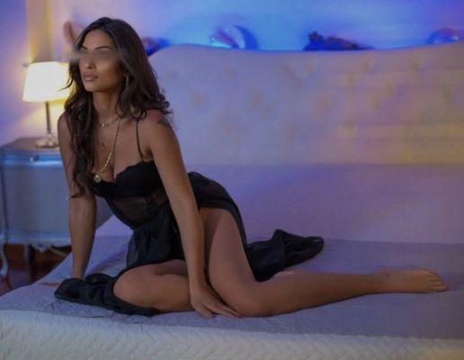 Виктория — проститутка для девушек