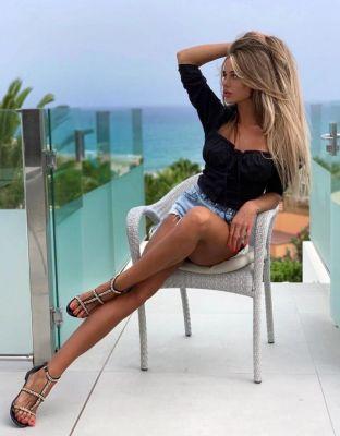 Вика — закажите эту проститутку онлайн в Сочи