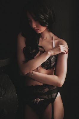 Лейла (инди), фото шлюхи