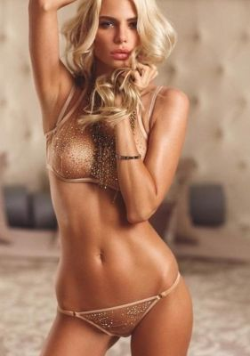 Лиза инди  — проститутка для семейных пар, рост:  169, вес:  55